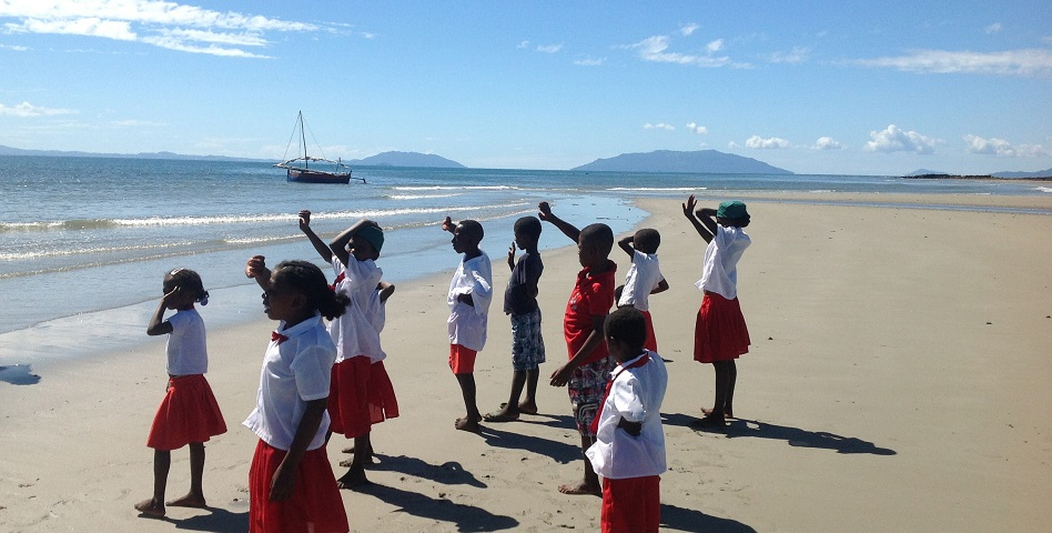 Copiver renforce son soutien aux éco-écoles en créant une nouvelle classe dans le village d'Ambatokinsindry, dans le nord-ouest de l'île. 120 enfants sont à présent scolarisés. L'association Docenda est le partenaire…